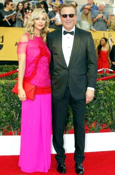 SAG Awards 2014: вбрання зірок: Кевін Костнер з дружиною