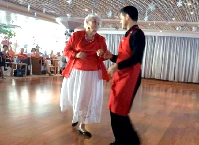 Найщасливіша пенсіонерка на землі: Тепер Вахтсеттер каже, що танці, якими вона займається останні 15 років свого життя, стали її головним хобі.