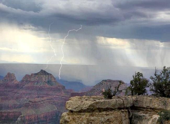 Самі фотогенічні місця у світі: Гранд-Каньйон, АрізонаОдін з найстаріших національних парків США і одне з найдосконаліших творінь природи. 446 кілометрів