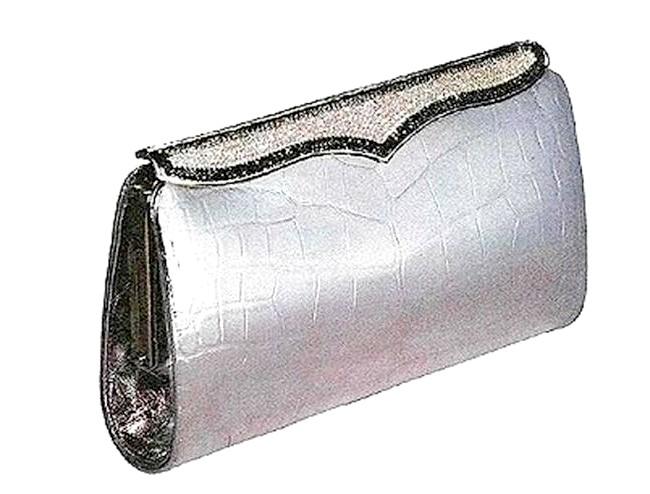 Самі ексклюзивні сумки в світі: Lana Marks. Ціна $ 100,000.Аксессуари цієї марки часто беруть зірки для виходу на червону доріжку. Анджеліна