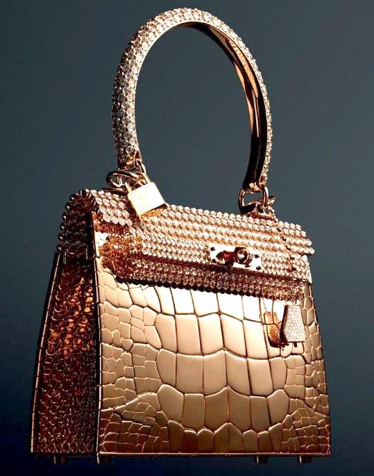 Самі ексклюзивні сумки в світі: Hermes. Ціна $ 1.9 мілліона.В відміну від інших творінь Hermes ця сумка мініатюрного розміру. Однак це не