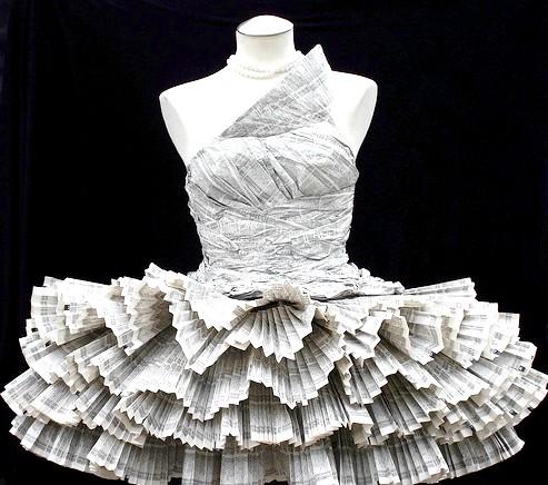 Самі екстравагантні вбрання наречених: Весільна сукня з газет для наречених, які хочуть завжди бути в центрі подій.
