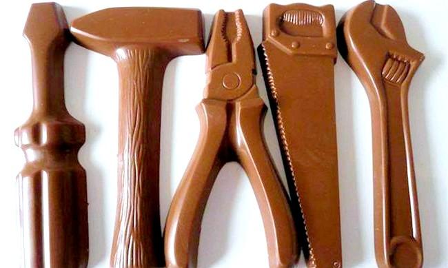 Найнеймовірніші шоколадні вироби: Тим любителям шоколаду, у кого золоті руки, сподобається дивовижний набір інструментів.