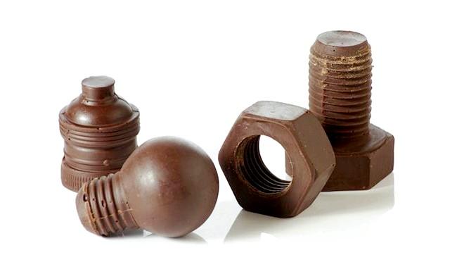 Найнеймовірніші шоколадні вироби: ... тим більше, що і відповідні шоколадні деталі є.