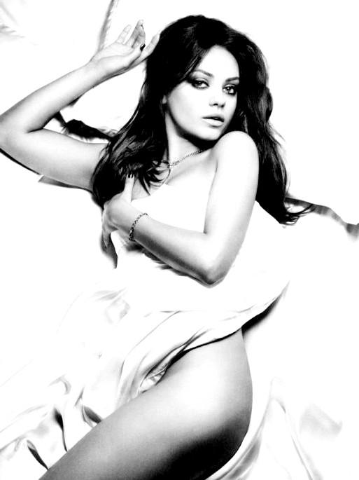Найсексуальніші жінки за версією журналу Esquire: Міла КунісАктріса Міла Куніс отримала титул найсексуальнішої жінки журналу Esquire в 2012 році.