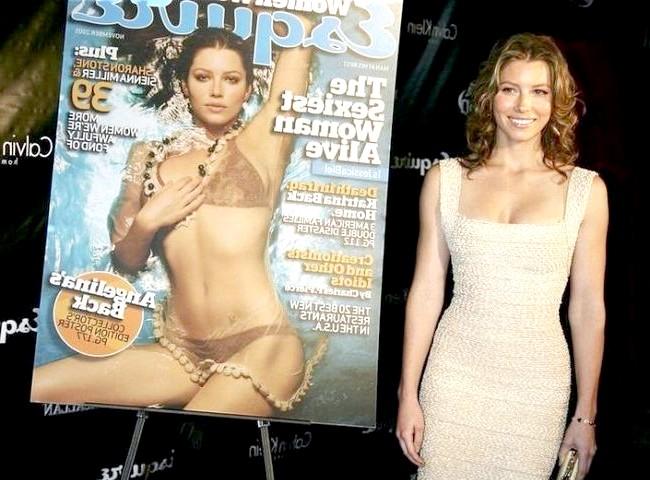 Найсексуальніші жінки за версією журналу Esquire: Джессіка БілАктріса Джессіка Біл на урочистому відкритті Esquire Downtown, де вона була оголошена ?? як «Найсексуальніша