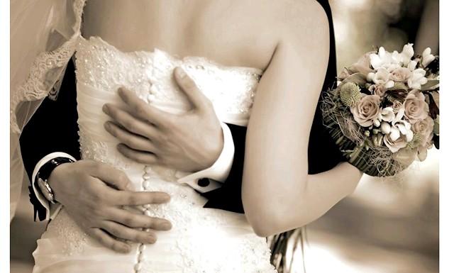 Сімейні пари з дітьми розлучаються набагато рідше: Перша письмова згадка про одностатеві шлюби відбувається із Стародавнього Риму. Поки християнство формувалося як офіційна релігія, дані церемонії відбувалися без