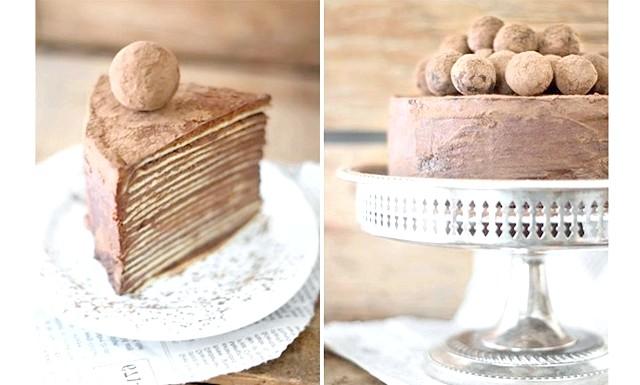 Шоколадний торт із млинців з амаретто: Інгредієнти: [u] Тісто для млинчиків: [/ u] Яйце - 6 шт. Борошно - 1 склянка
