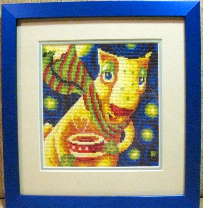 Казка, написана хрестиком по канві: А це господар будинку - Каштан. Його ім'я вже придумала молодша донька. Каштан - чоловік Кринчіка. Любить пити чай в