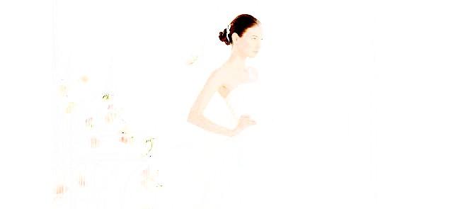 Весільні тренди в 2014 році: КружевоВсе більше наречених вибирають саме цей матеріал для своєї сукні. Мереживні сукні завжди елегантні, витончені і
