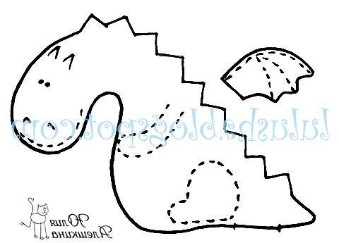 Текстильні дракончики до нового року: Я пропоную на вибір два варіанти: один - з чотирма ніжками-лапками, інший з вишитими лапками. Але ваша фантазія цілком дозволяє