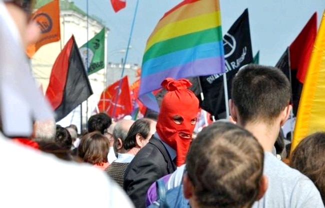 Топ-10 подій року за версією Еви.Ру: Скандал року: Pussiy Riot http://proevu.ru/topic/262/2984755.htm