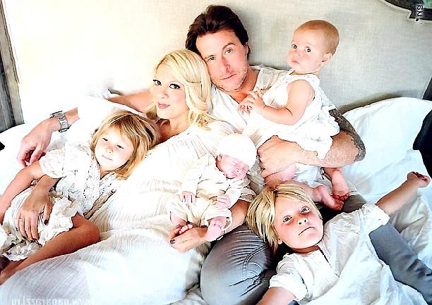 Торі Спеллінг після народження четвертої дитини: