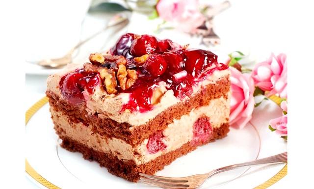 Торт на Новий Рік - найкращі рецепти: [color = Red] Новорічний торт «Казка» [/ color] Інгредієнти: - 3 яйця, - 2 ст. цукру,;