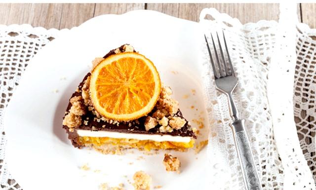 Торт на Новий Рік - найкращі рецепти: [color = Red] Торт «Делікат» шоколадно-вершковий з апельсинами [/ color] Інгредієнти: (форми 20 і 22 см в діаметрі)