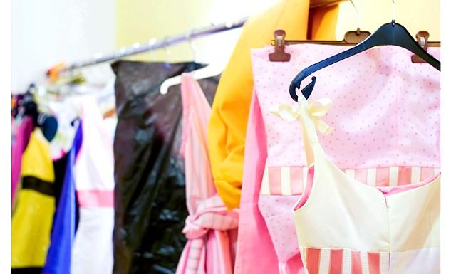 Догляд за літнім гардеробом після сезону: Зберігаємо тільки чисте! Золоте правило кожної господині - чистити речі відразу після їх забруднення. Ні в якому