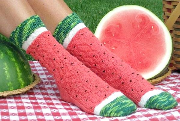 Утепляемся до осені: оригінальні шкарпетки, панчохи та колготки: Шкарпетки з солодкими спогадами літа.
