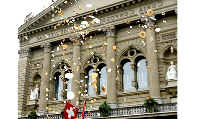 У Швейцарії все буде безкоштовно і все буде в кайф: Якщо жителі країни ухвалять позитивне рішення на референдумі, держава буде зобов'язана виплачувати кожному повнолітньому громадянину 2800 доларів щомісяця. За задумом