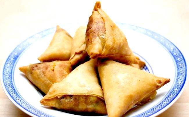 Смак Індії: Кращі страви батьківщини спецій: Палак панір. Страва з шпинату, домашнього сиру, вершків і спецій.