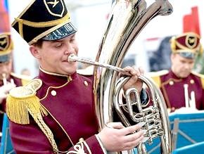 Військовий духовий оркестр: торжество гармонії і сили