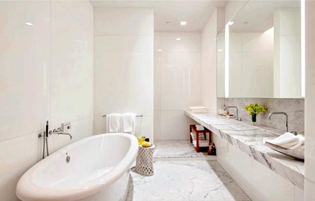 Чудові ванні кімнати в мармурі: