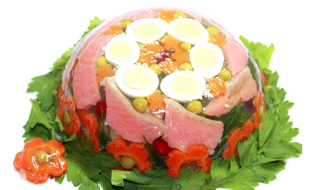 Заливне з риби для Вашого новорічного столу: Інгредієнти: Філе червоної риби - 200 г. Філе трескі- 200г. Яйця перепелині - 6 шт.