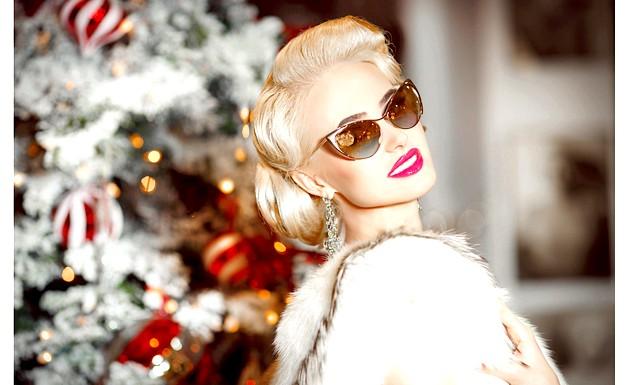 Здрастуй, зелена Коза! У чому зустрічати Новий рік ?: ПлатьеЛюрекс, стрази та пір'я - не доведеться за смаком Козі, тому зверніть увагу на класичні моделі