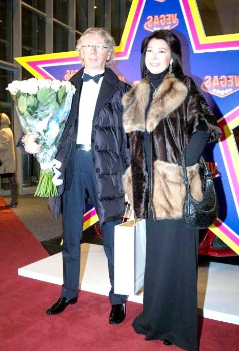 Зіркові гості на весіллі Юлії Савичевої: Аркадій Укупник з дружиною