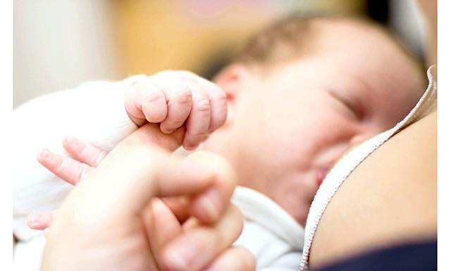 Годівлі грудьми врятує дитину від ожиріння