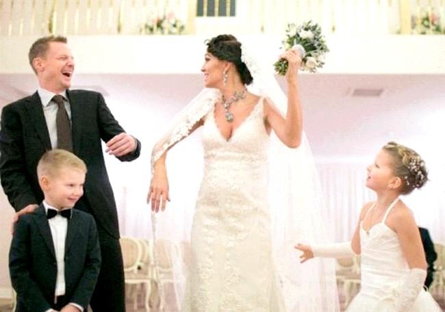Малафєєв з дружиною не можуть вибрати ім'я для дитини: У березні 2011 року В'ячеслав Малафєєв став вдівцем? його дружина, продюсер Марина Малафєєва, загинула в автокатастрофі. Через рік футболіст
