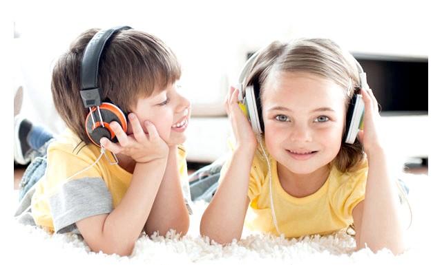 Музика позбавляє дітей від психологічних проблем: У дослідженні, проведеному вченими Університету Квінс в Белфасті (Північна Ірландія), взяли участь діти, які страждають від емоційних і поведінкових