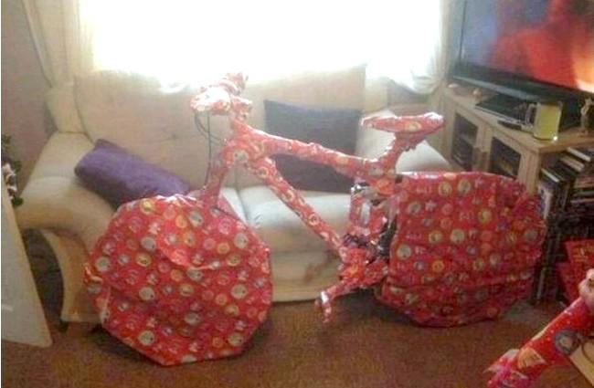 Новорічні маразми: Головне в подарунку - інтрига!