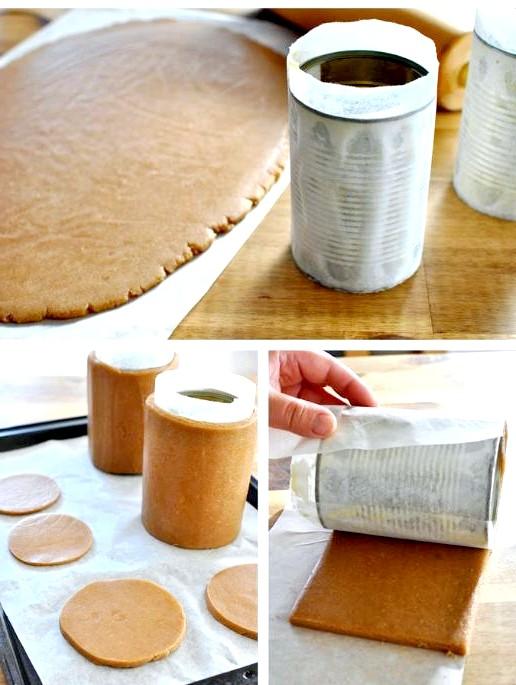 Їстівний подарунок до Нового Року: цукерки в пряникової коробці: 6. Не знімаючи тісто з вощеного паперу, обертаємо пласт тіста навколо консервної банки. Обережно знімаємо зовнішній пласт паперу. Вирізаємо ножем