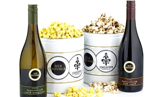 Сюрприз для кіноманів - винний попкорн: Під час перегляду кінофільму, хтось любить хрустіти попкорном, а хтось насолоджується келихом вина. Сподіваючись примирити два табори, нью-йоркський виробник попкорна