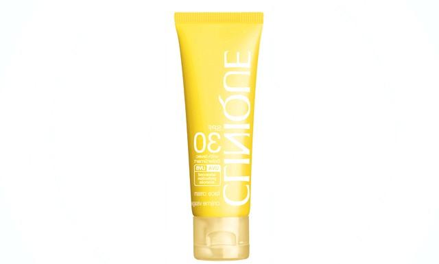 Сонцезахисний крем Clinique в тревел-форматі: Формула сонцезахисного крему SPF 30 Face Cream містить екстракт планктону, який під впливом сонця вивільняє в шкіру унікальні «відновлюють»