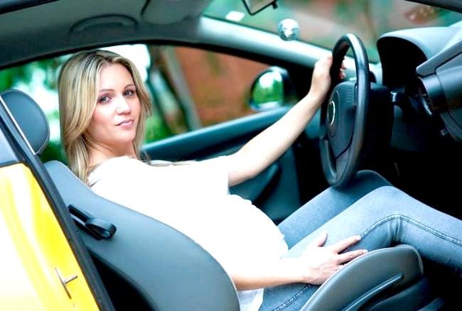 Поради вагітним за кермом: Також важливо, щоб відстань між животом і рульовим колесом було достатньо великим, бажано, не менше 25 см. Сідаючи за кермо,