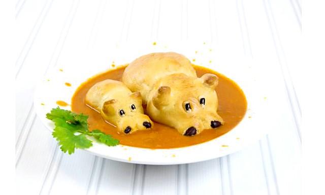 Суп з бегемотами від Сандри Деннелер: Для цього вона кладе в суп сім'ю бегемотів. Також Сандра поділилася [url = http: //handmadecharlotte.com/healthy-hungry-hippo-soup-recipe/] способом приготування бегемотів [/ url]: їхні тіла робляться з двох