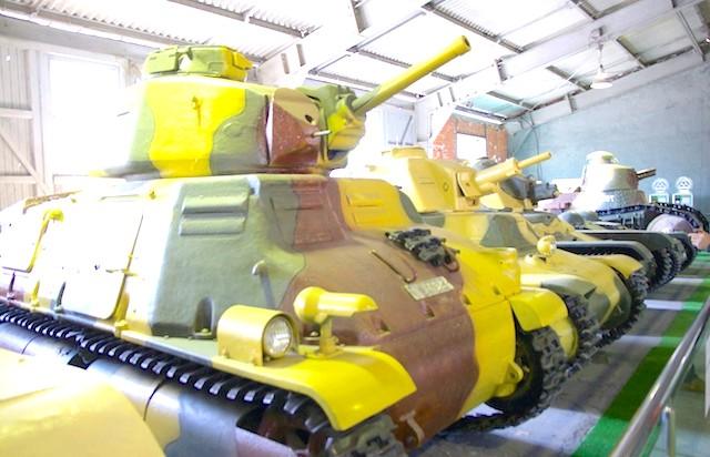 Танковий музей в Кубинці. Їхні .: По, французи! Се Жолі!