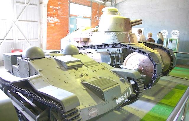 Танковий музей в Кубинці. Їхні .: Да уж. Іграшки у війнушку.
