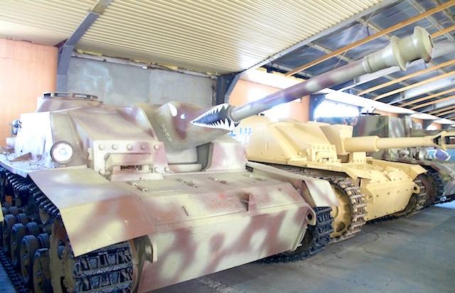 Танковий музей в Кубинці. Їхні .: Фашисти. У теплому павільйоні, зауважте!