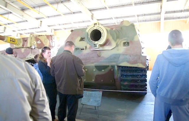 Танковий музей в Кубинці. Їхні .: Калібру не шкода. Та й людей теж ...