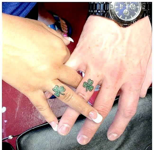 Тату замість обручки: Ті, хто вибирає в якості альтернативи обручок татуювання, вважають, що саме незмивний малюнок символізує сталість відносин між чоловіком і