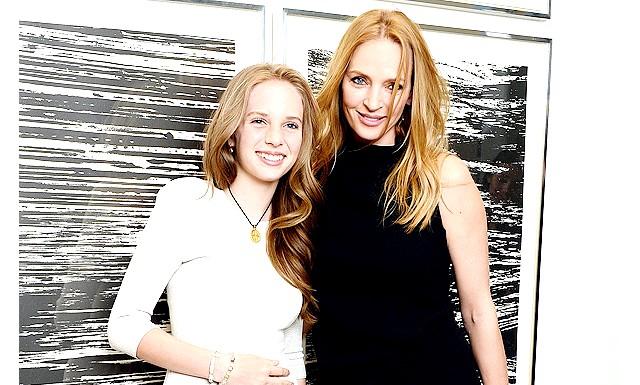 Ума Турман з дочкою: Поява актриси, рідко проявляє інтерес до світських заходів, на подібному вечорі разом з дочкою наштовхує нас на думку, що вона
