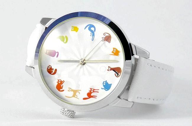 Годинники, які радують: Є годинник і для любителів кішок. [url=http://klevosti.ru/kto-skazal-myau-hochu/?utm_source=eva&utm_medium=article&utm_campaign=art_link]Взято звідси [/ url]
