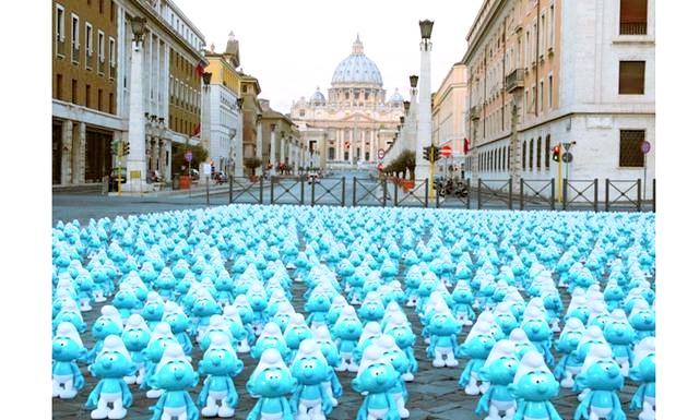 День Смурфіки: блакитні гноми на вулицях Рима