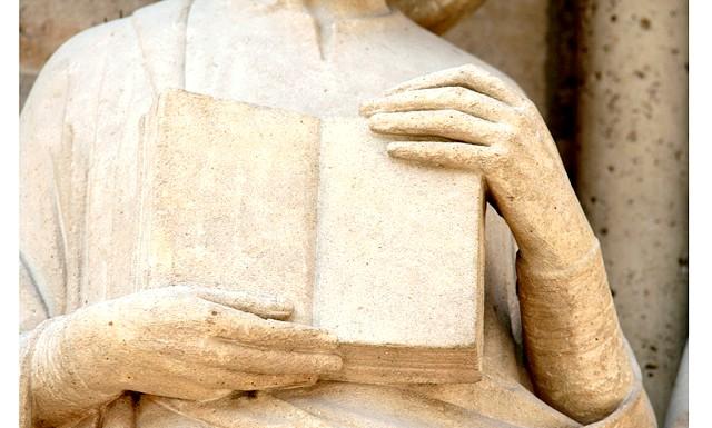 Французькі храми можуть стати платними для відвідування