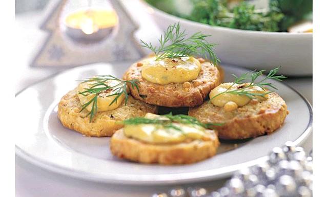 Французькі крекери з соусом із блакитного сиру