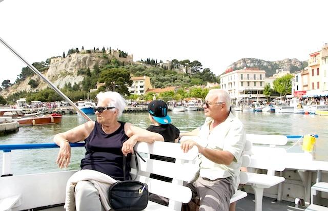 Французи на воді. Кассис .: Гаразд. Попливемо як звичайні туристи ...
