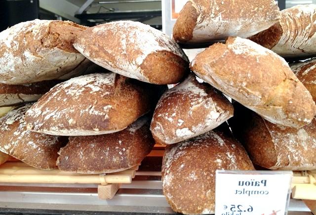 Хрускіт французької булки 2: У Сан-Рафаелі хліб називають так.