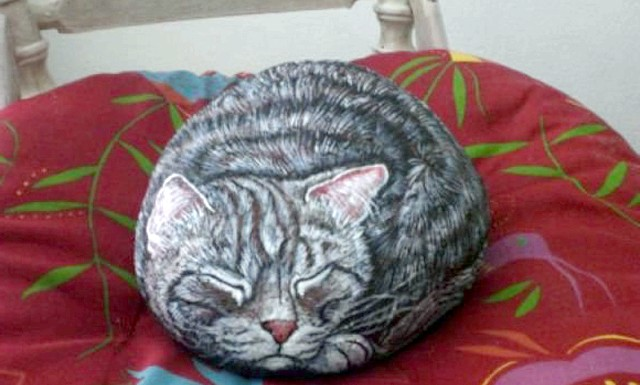 Художниця маргарита глемборг перетворює камені в котів